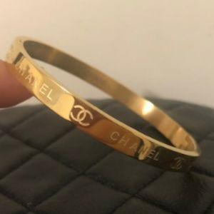 Classic 💖 Gold Bracelet